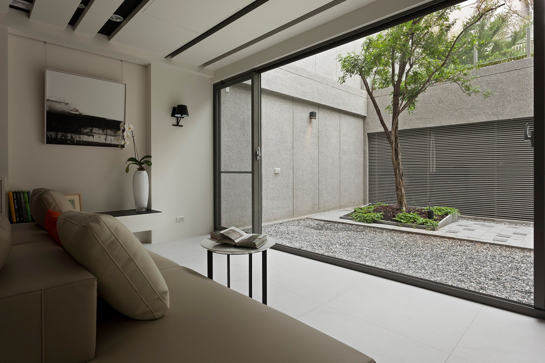some-stunningly-beautiful-examples-of-modern-asian-minimalistic-decor-2