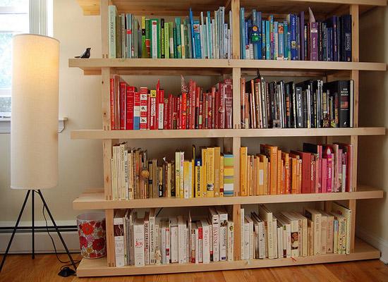 06-colour-coded-bookshelves